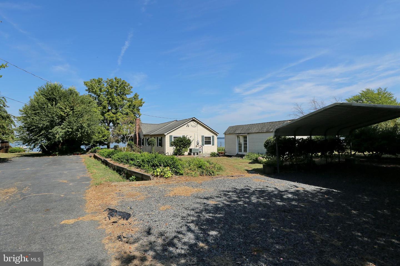 Additional photo for property listing at  Cobb Island, Maryland 20625 Estados Unidos