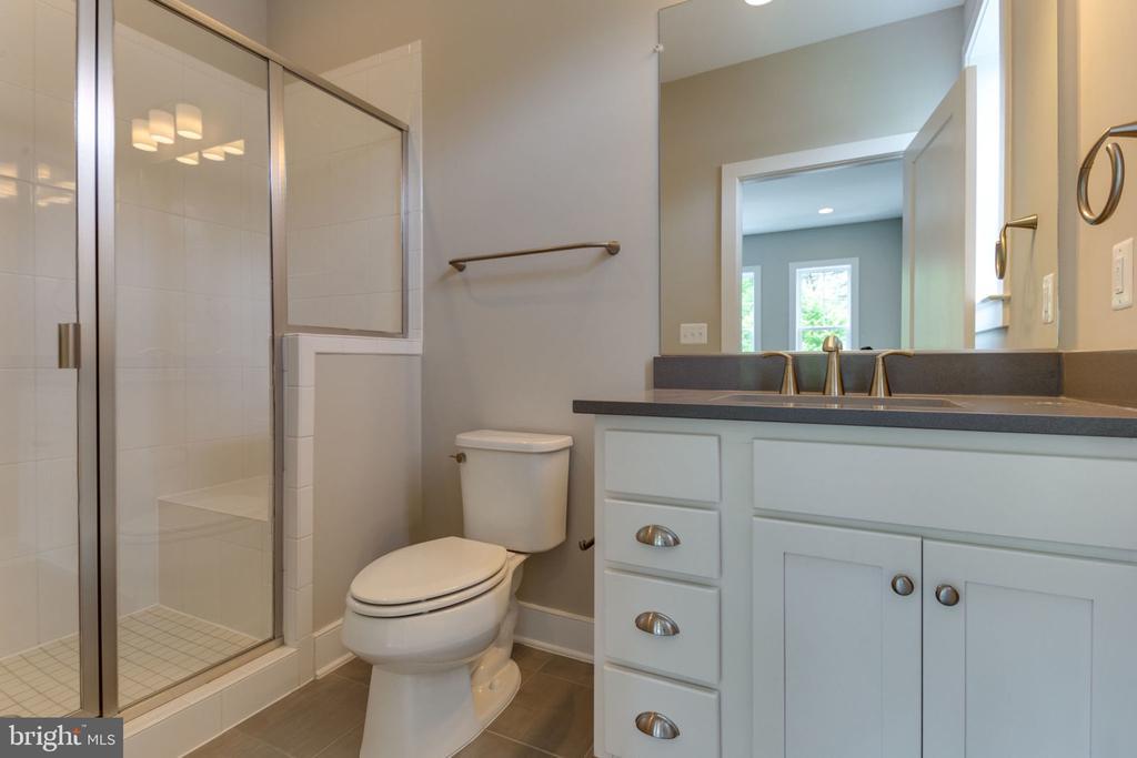 First Floor Full Bath - 2304 N KENSINGTON ST, ARLINGTON
