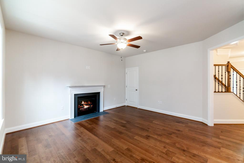 Fire place included - 88 OLDE CONCORD RD, STAFFORD