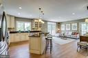 Open concept gourmet kitchen and family room - 307 KENTUCKY AVE, ALEXANDRIA