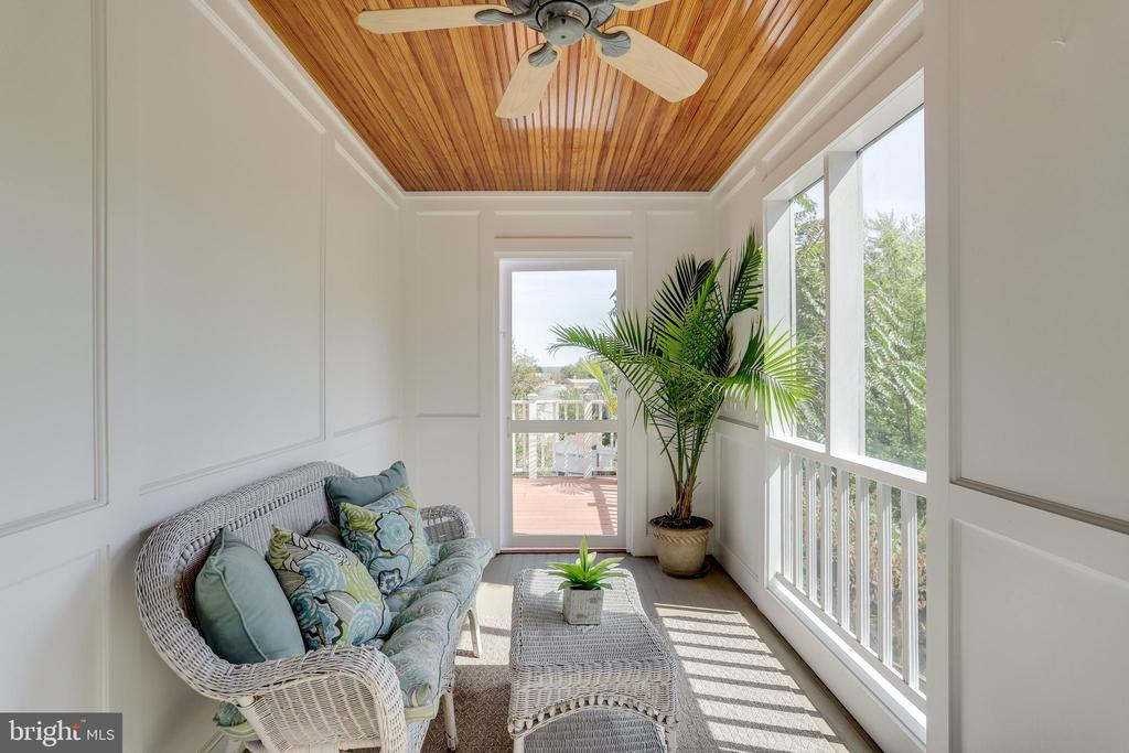 Screened-in porch off family room - 307 KENTUCKY AVE, ALEXANDRIA