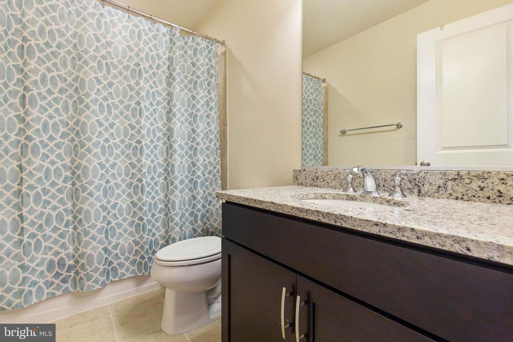 2nd full bath - 43005 ATOKA MANOR TER, ASHBURN