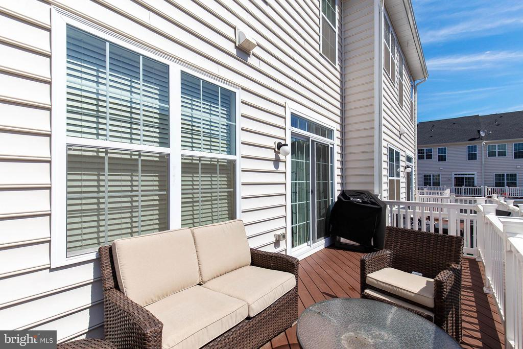 Get outside on your deck - 43005 ATOKA MANOR TER, ASHBURN