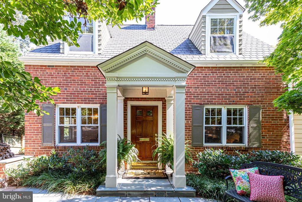 Timeless Cape Cod for today's buyer - 307 KENTUCKY AVE, ALEXANDRIA