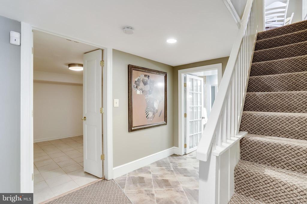 Down to walkout level basement - 307 KENTUCKY AVE, ALEXANDRIA