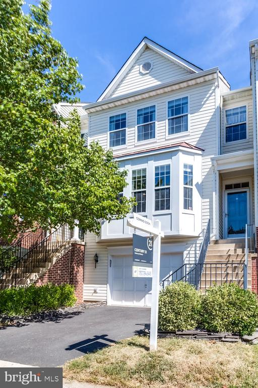 Welcome to your gorgeous new home. - 6626 CHARLES GREEN SQ, ALEXANDRIA