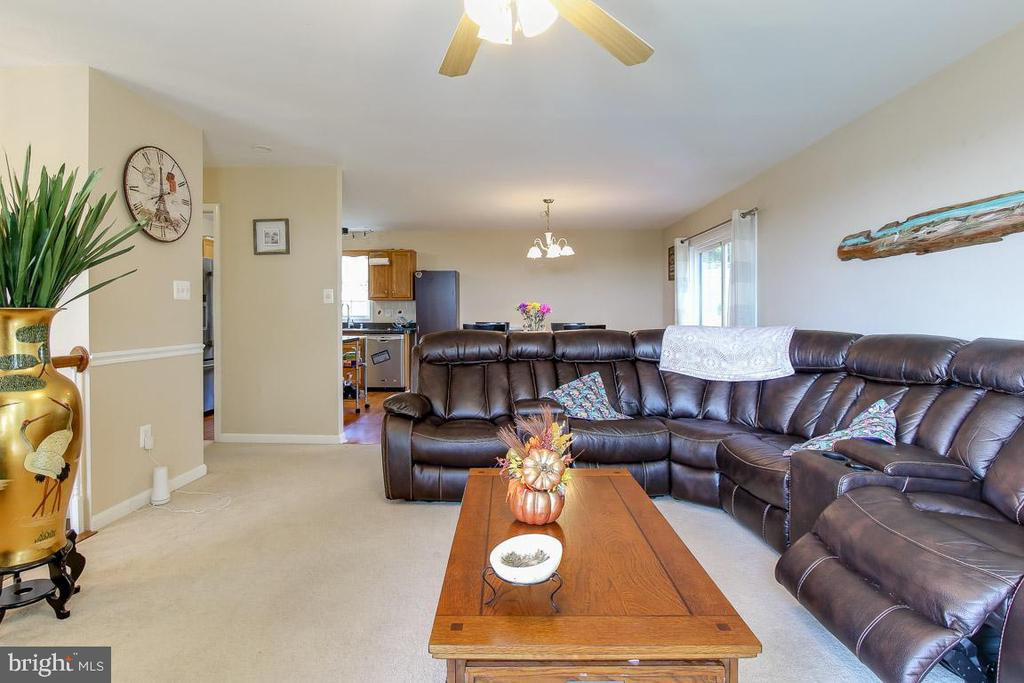 Main Level Living Room - 131 SUNHIGH DR, THURMONT