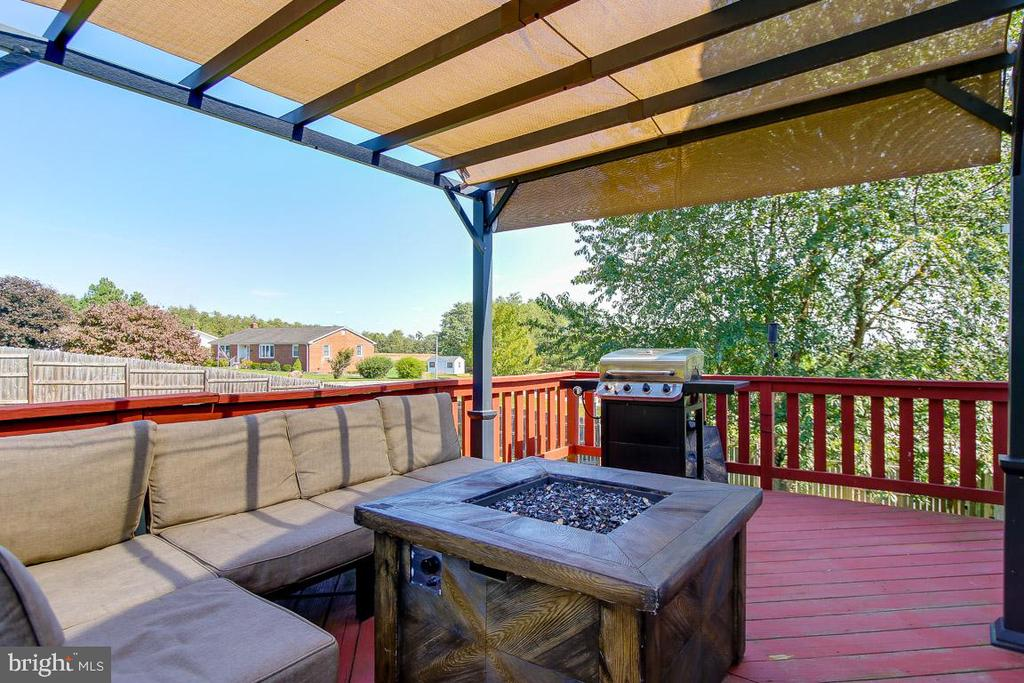 Huge Back Deck - 131 SUNHIGH DR, THURMONT