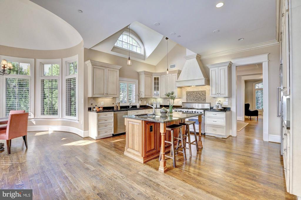 Vast and sun-drenched kitchen. - 116 E MELROSE ST, CHEVY CHASE
