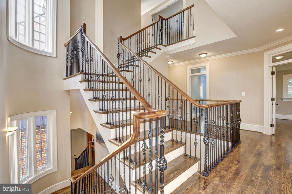 Sunny staircase. - 116 E MELROSE ST, CHEVY CHASE