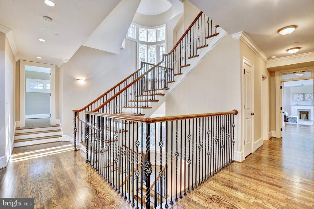 Upper level offers four bedrooms with en suites. - 116 E MELROSE ST, CHEVY CHASE