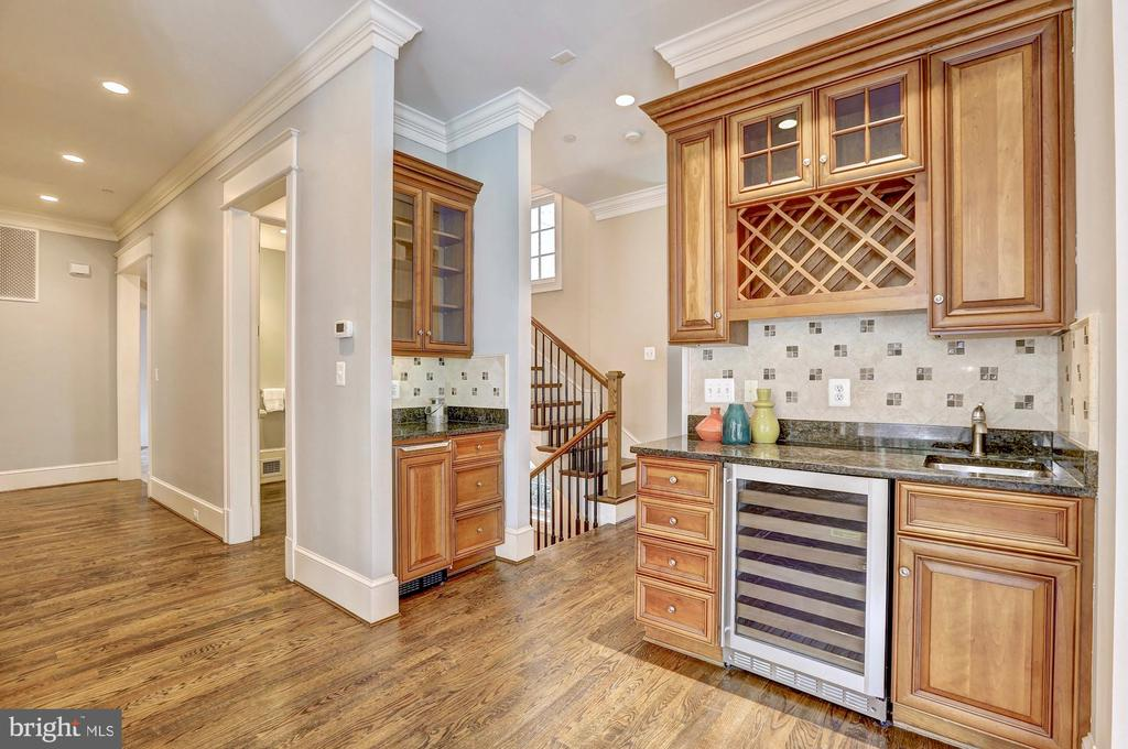 Wet bar perfect for entertaining. - 116 E MELROSE ST, CHEVY CHASE