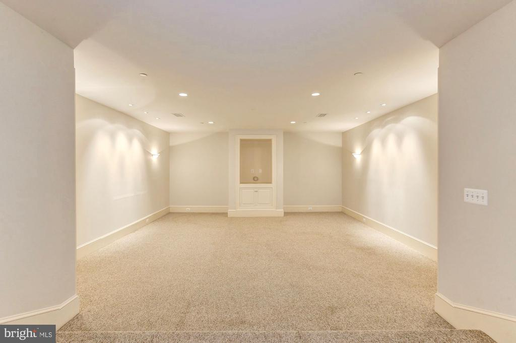 Perfect media room to host watch parties. - 116 E MELROSE ST, CHEVY CHASE