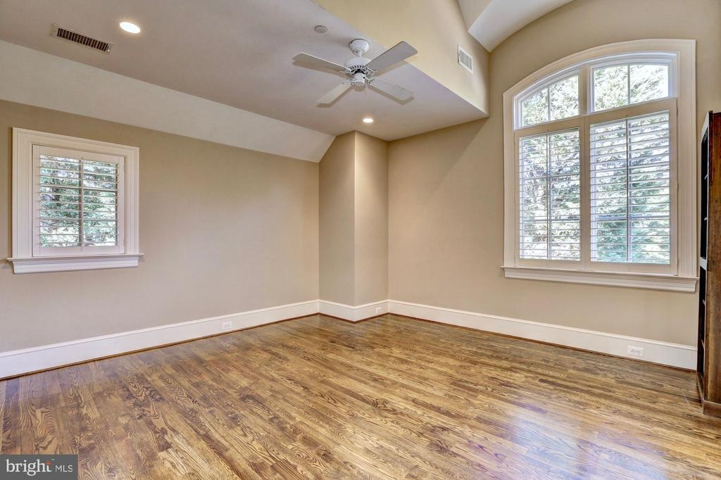 Bedroom #2 with en suite. - 116 E MELROSE ST, CHEVY CHASE