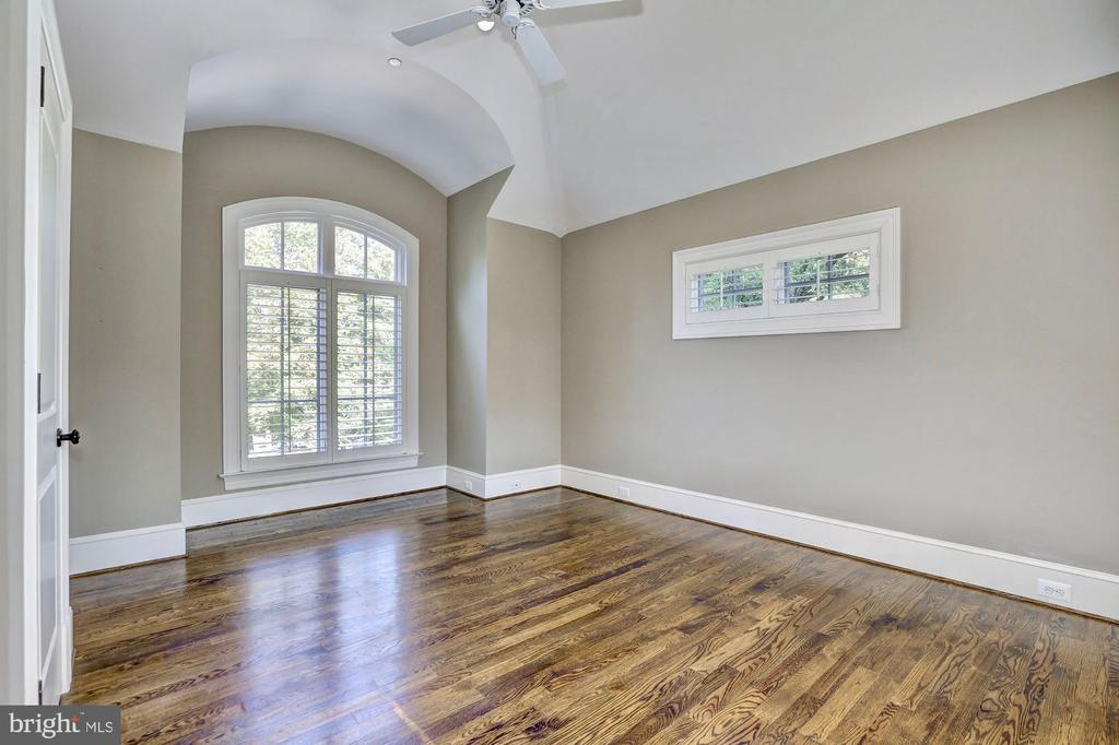 Bedroom #3 with loads of natural sun light. - 116 E MELROSE ST, CHEVY CHASE