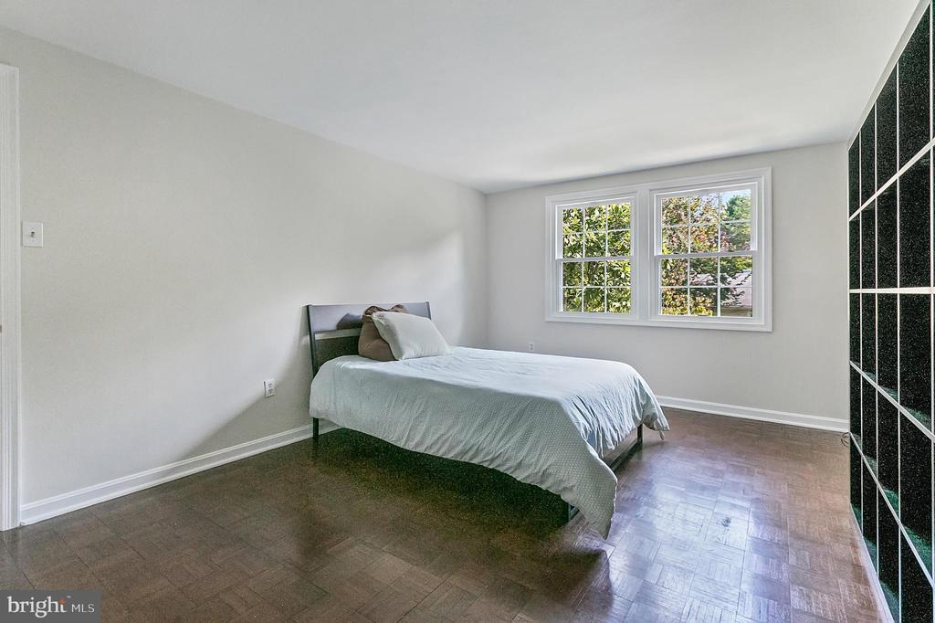 Third bedroom - 2808 VILLAGE LN, SILVER SPRING