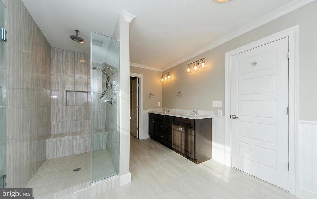 Large Master Bath w/ Separate Shower - 7534 LISLE AVE, FALLS CHURCH