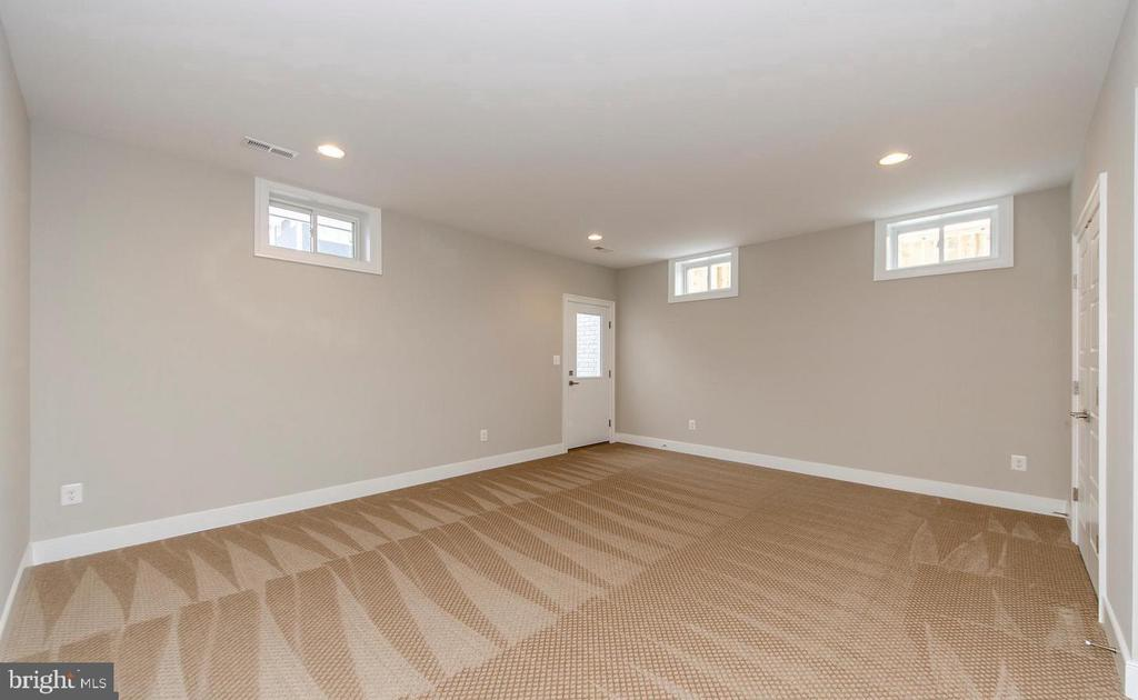 Basement Rec Room w/ walk out stairs - 7534 LISLE AVE, FALLS CHURCH