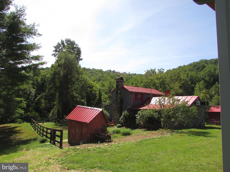Single Family Homes por un Venta en Sperryville, Virginia 22740 Estados Unidos