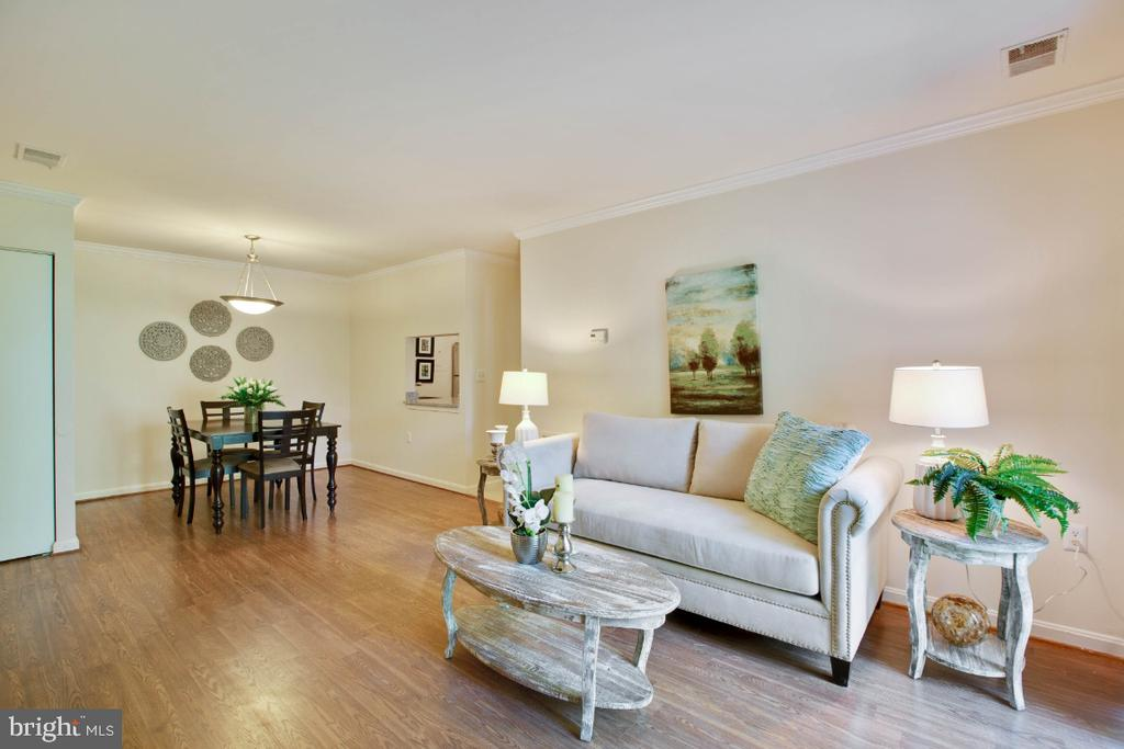 Living Room - 8203 WHISPERING OAKS WAY #202, GAITHERSBURG