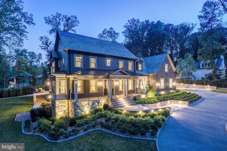 Single Family Homes para Venda às Bethesda, Maryland 20817 Estados Unidos