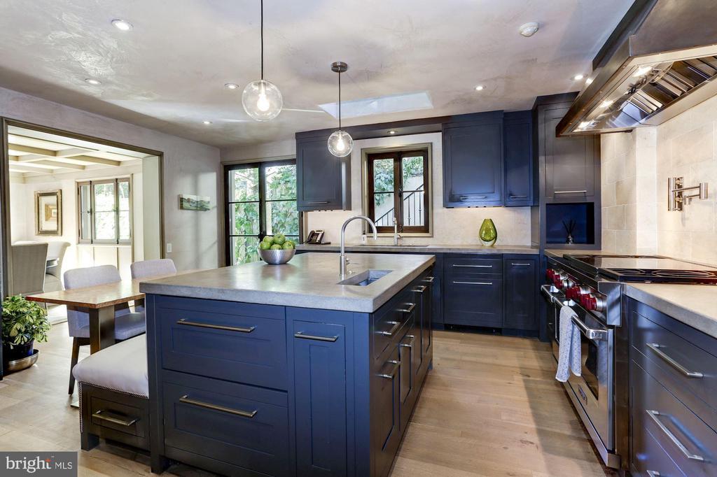 Kitchen - 2750 32ND ST NW, WASHINGTON