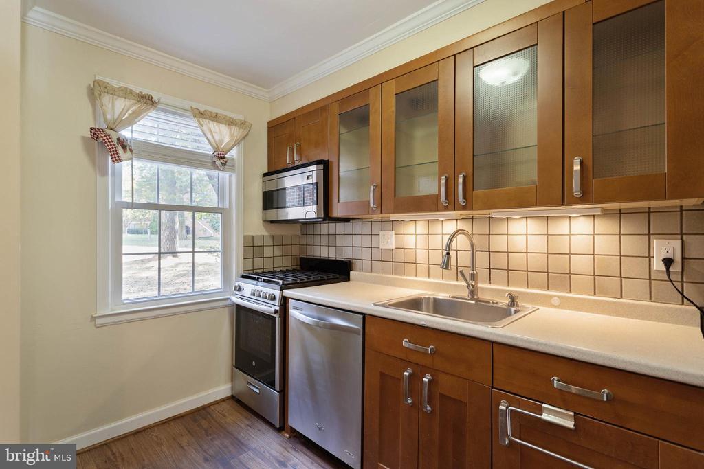 Kitchen - 2214 COLSTON DR #103, SILVER SPRING
