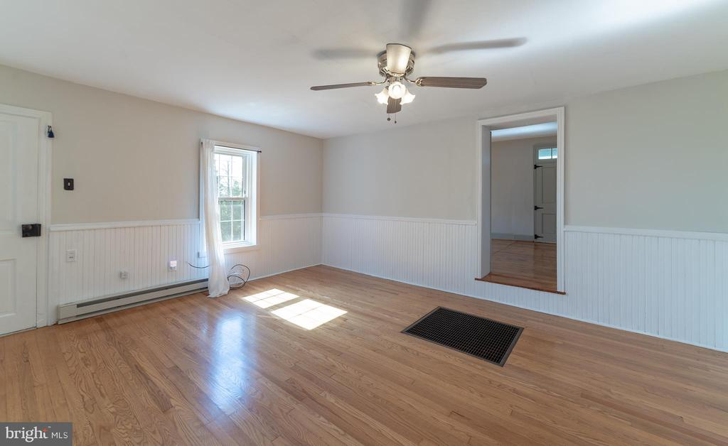 All hardwood floors - 4026 BALLENGER CREEK PIKE, FREDERICK