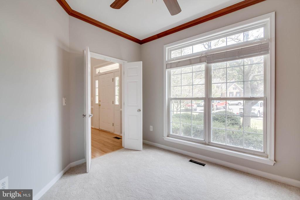 Lots of natural light in study - 6541 JEROME CT, MANASSAS