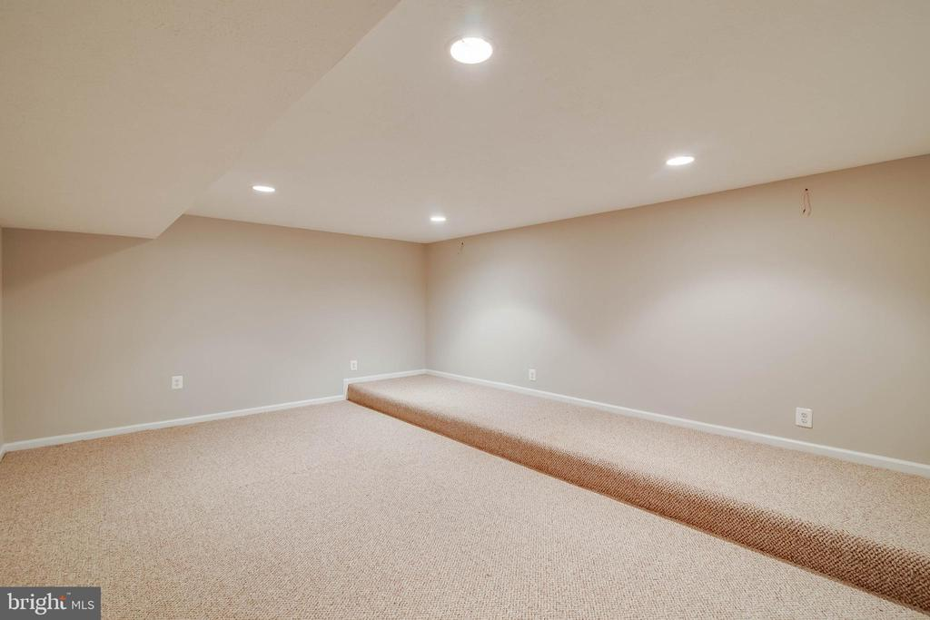 Lower Level media room - 6541 JEROME CT, MANASSAS