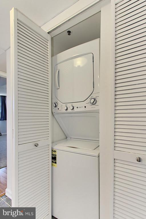 Brand new in unit washer and dryer - 1024 N UTAH ST #816, ARLINGTON