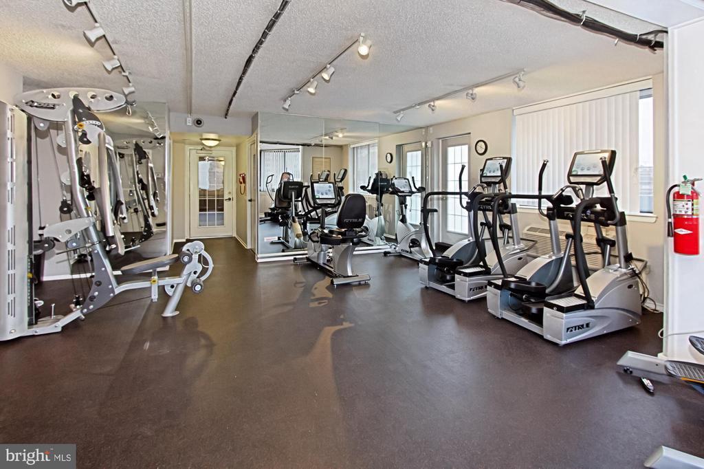 Gym - Building Amenities - 1024 N UTAH ST #816, ARLINGTON
