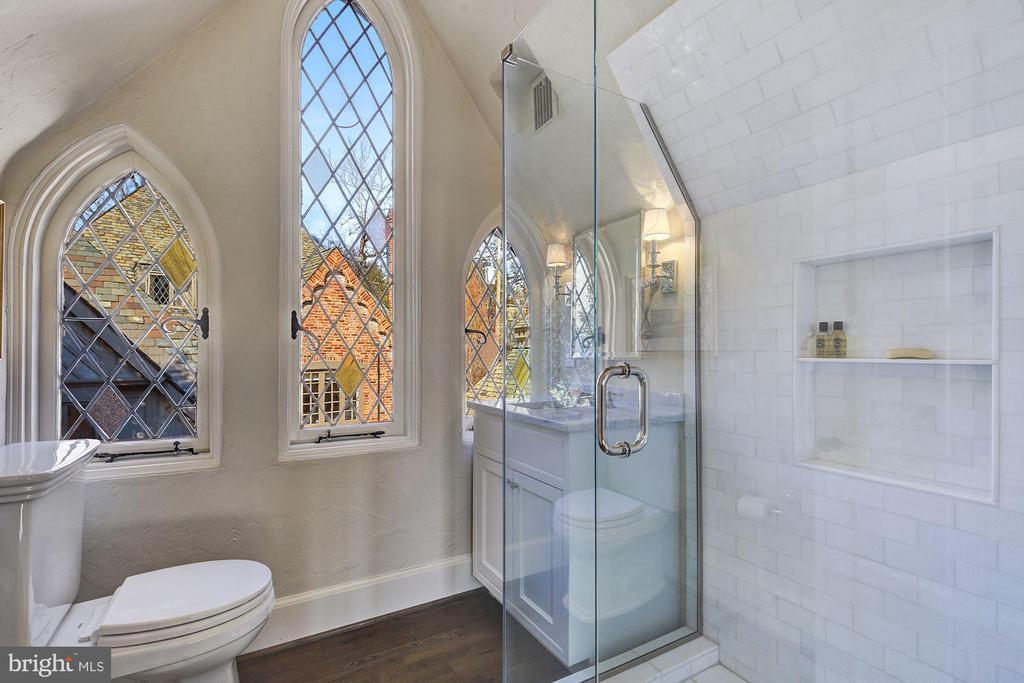 Bedroom 4 & 5 New Bath - 2728 32ND ST NW, WASHINGTON