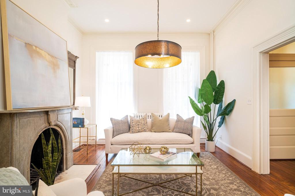 Lavish amounts of natural light - 1511 16TH ST NW, WASHINGTON