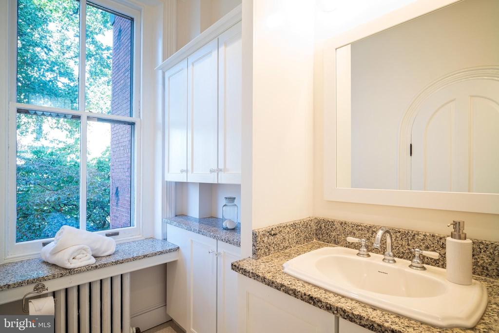 Master bathroom - 1511 16TH ST NW, WASHINGTON