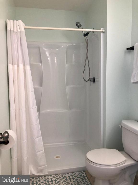 Master Bath - 9505 COUNTRY ROADS LN, MANASSAS