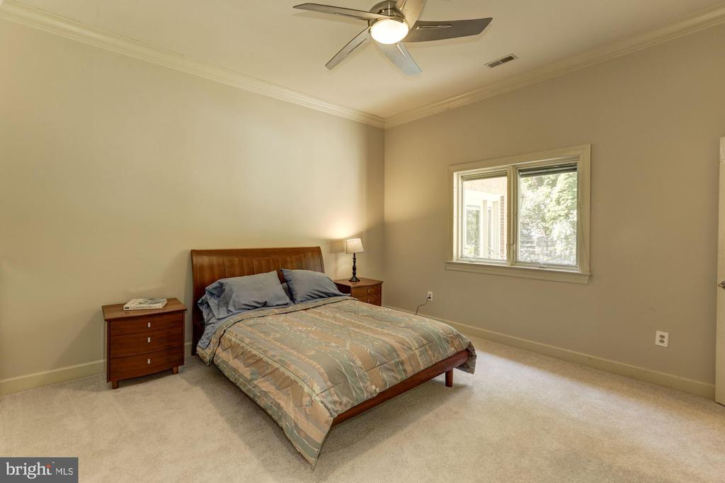 Fourth bedroom - 7115 WOLF DEN RD, FAIRFAX STATION