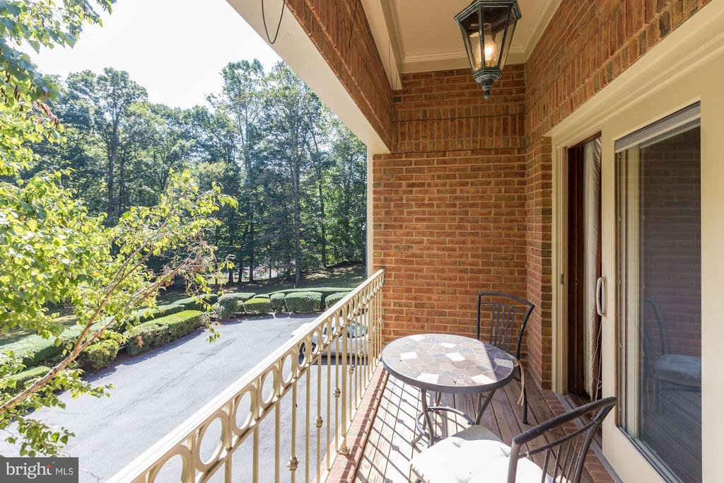 Balcony off study - 7115 WOLF DEN RD, FAIRFAX STATION