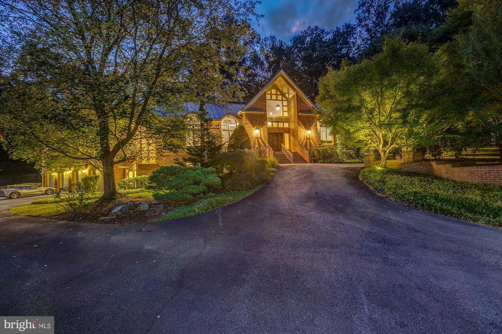 Stunning Custom Home! - 7115 WOLF DEN RD, FAIRFAX STATION