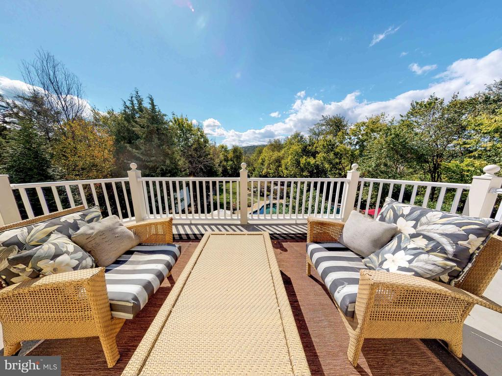 Enjoy morning coffee on your master suite deck - 23429 ROUNDUP PL, ALDIE