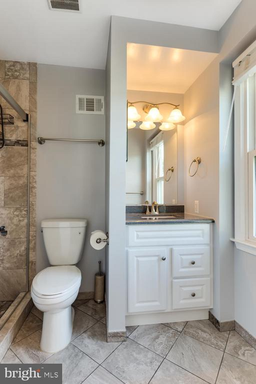 Updated Master Bath - 2859 YARN CT, FALLS CHURCH