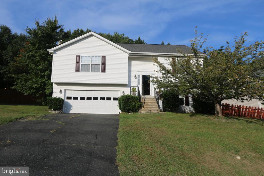 Great home in neighborhood with no HOA - 8 ONTELL CT, STAFFORD