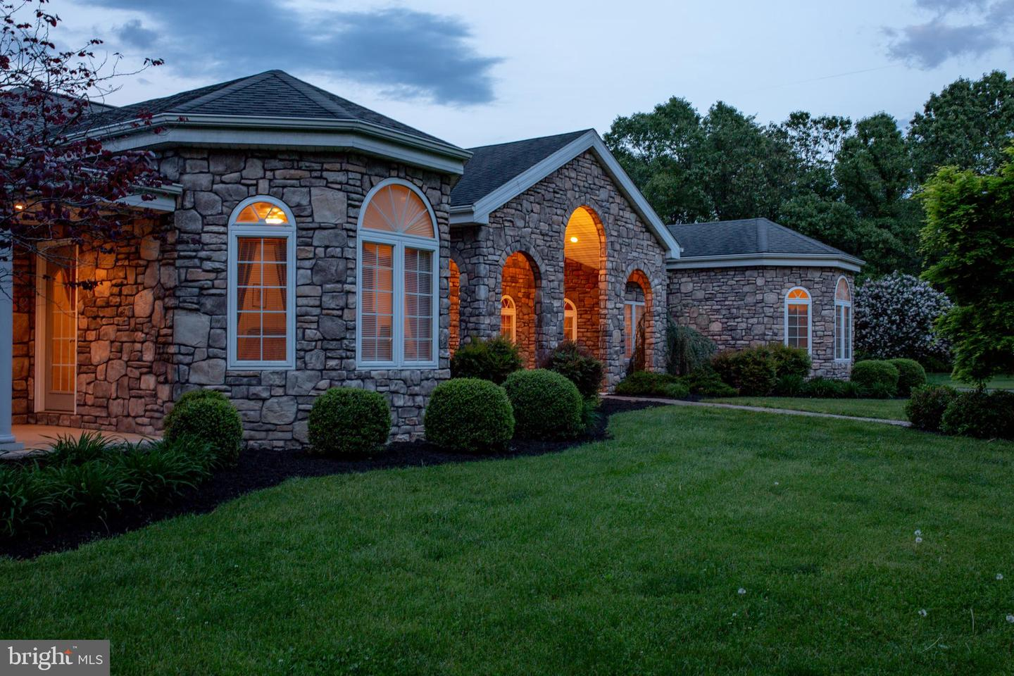 Photo of 2140 STONEY CREEK RD, EDINBURG, VA 22824