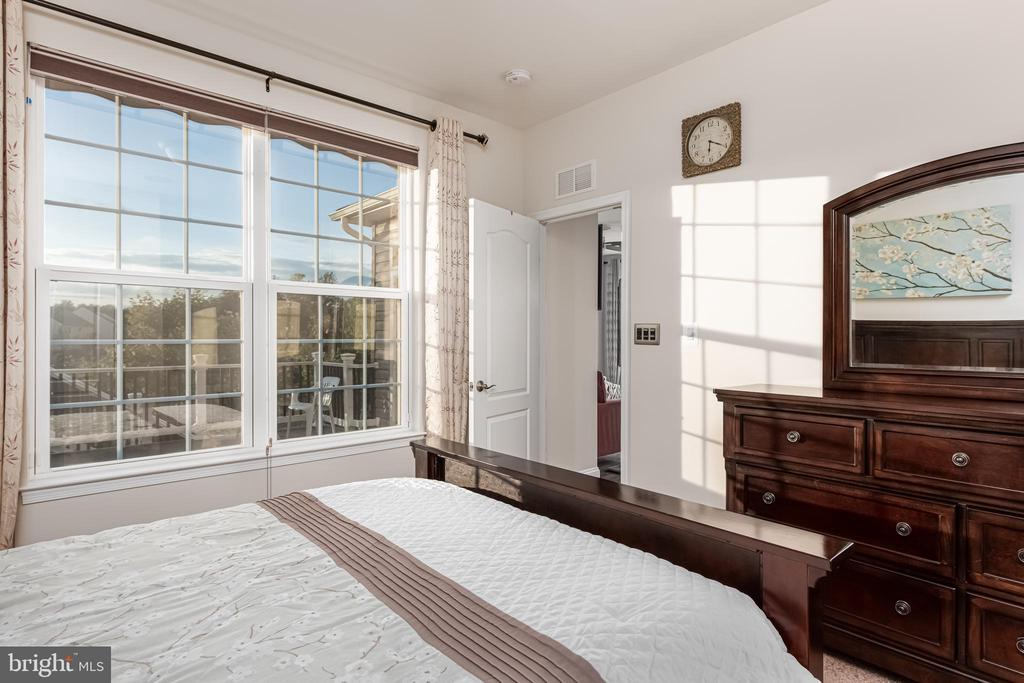 Master Bedroom with a view to the Lake - 22849 EMERALD CHASE PL, ASHBURN