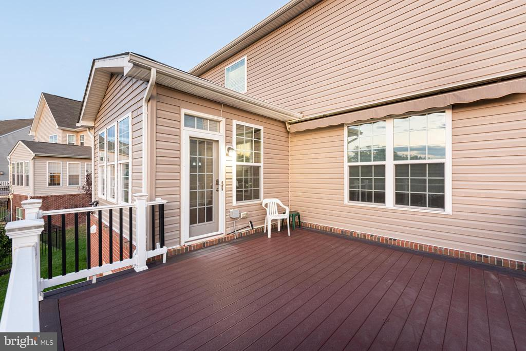 Trek Deck - 22849 EMERALD CHASE PL, ASHBURN