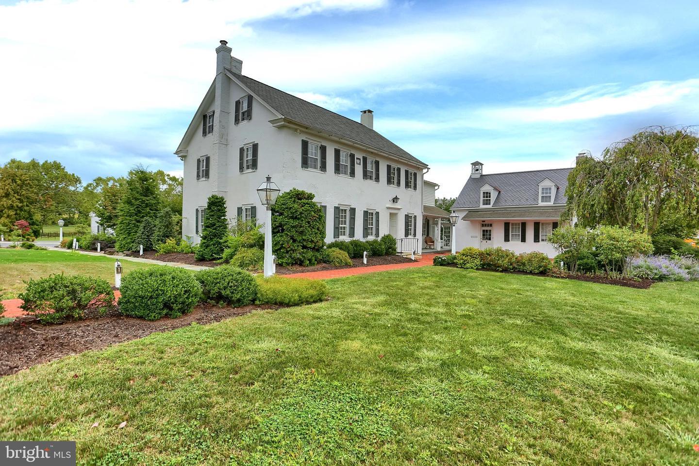 Property のために 賃貸 アット 2452 NOLL Drive Lancaster, ペンシルベニア 17601 アメリカ