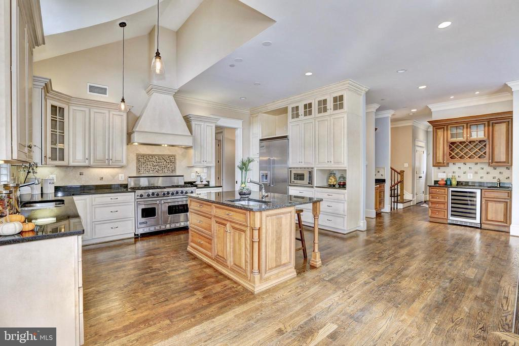 Vaulted ceilings, Viking appliances and wet bar. - 116 E MELROSE ST, CHEVY CHASE