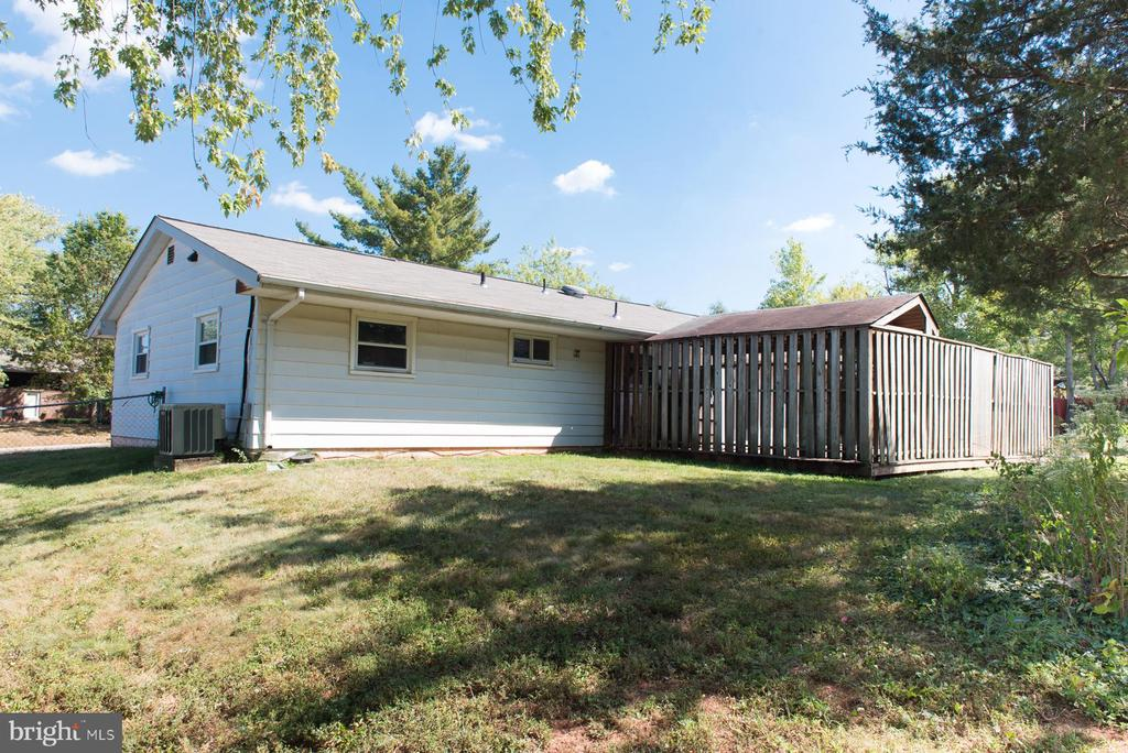 Thanks for viewing W. Hanover - 203 W HANOVER PL, STERLING