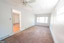 Lots of flowing light to keep this room bright - 203 W HANOVER PL, STERLING