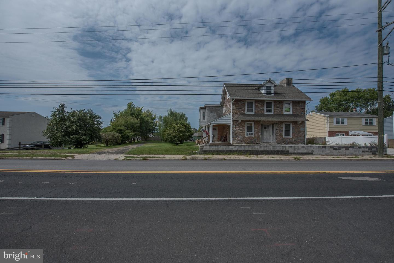 Conshohocken                                                                      , PA - $550,000